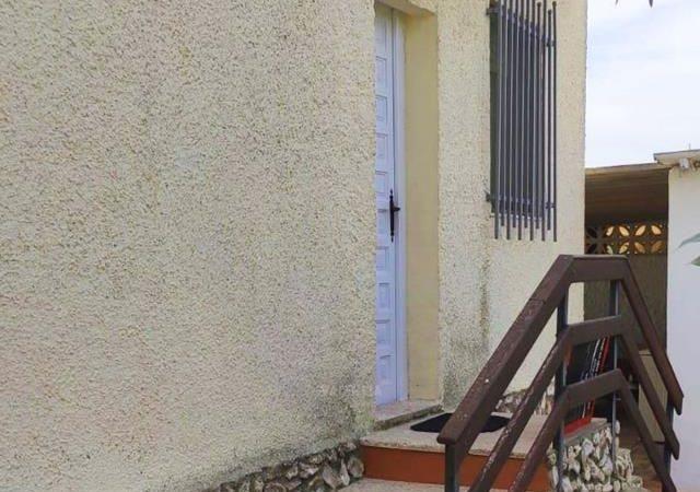 47353-exterior-entrada-trasera-chiva-chalet-valencia