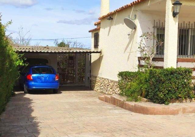47353-exterior-porche-chiva-chalet-valencia