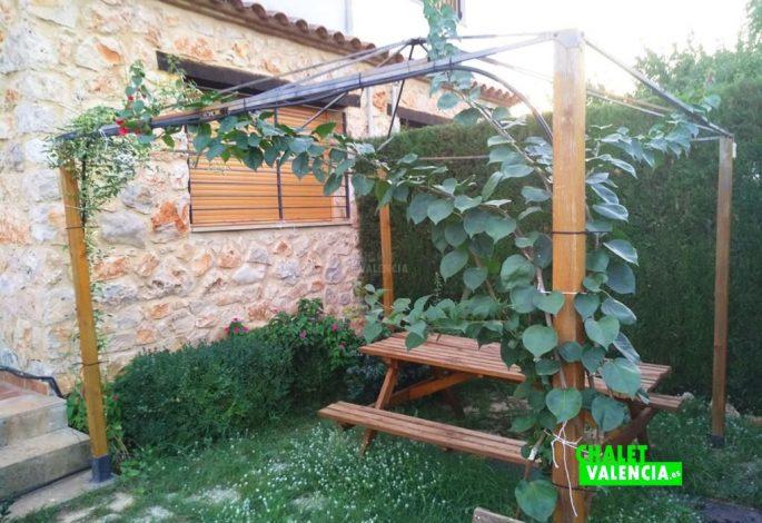 47722-exterior-jardin-2-chalet-valencia