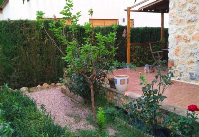 47722-exterior-jardin-chalet-valencia