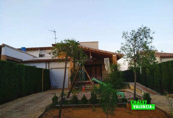 47722-exterior-jardin-cultivo-chalet-valencia