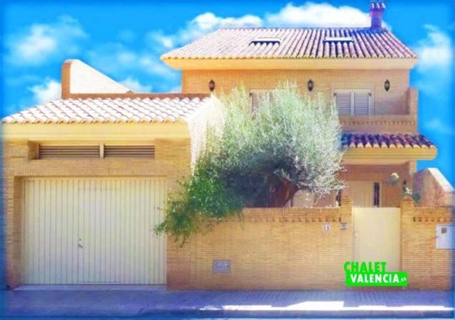 47753-entrada-calle-2-chalet-valencia