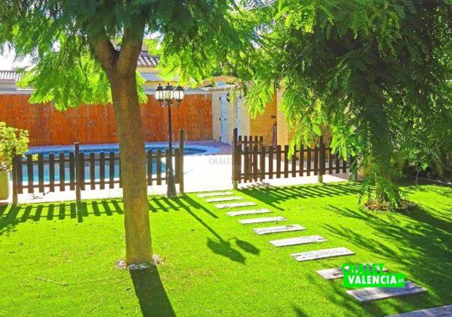 47753-piscina-jardin-chalet-valencia