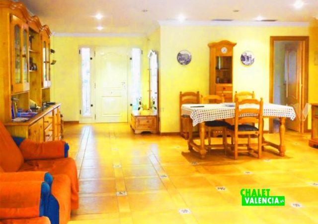 47753-salon-comedor-entrada-chalet-valencia