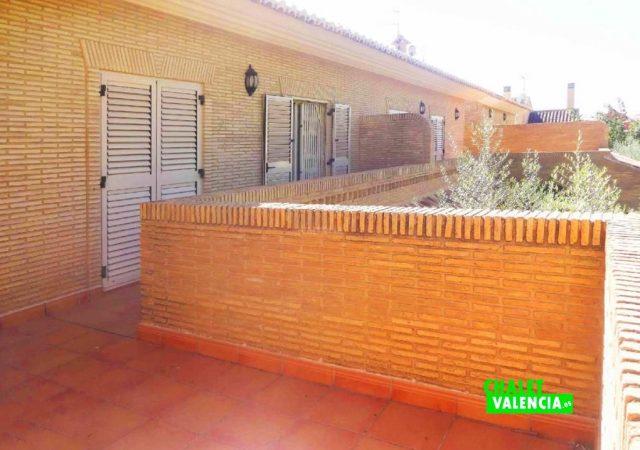 47753-terraza-habitaciones-chalet-valencia