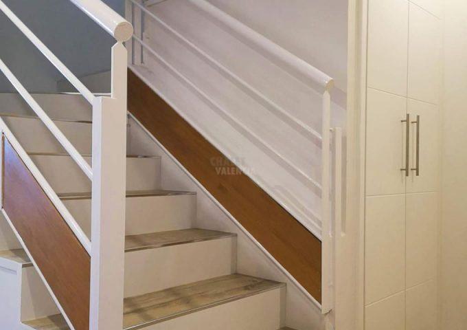 47934-distribuidor-escaleras-valterna-chalet-valencia