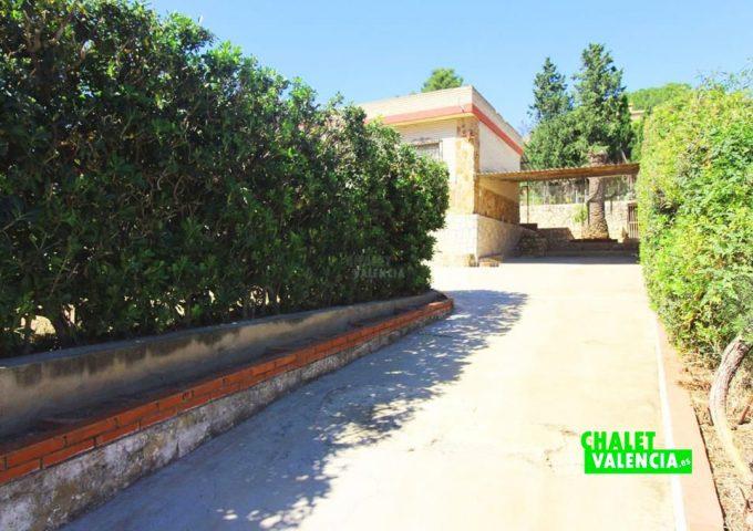 48047-entrada-01-chalet-valencia
