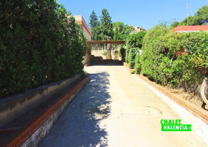 48047-entrada-02-chalet-valencia
