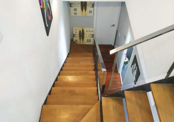 48086-escaleras-lujo-chalet-valencia