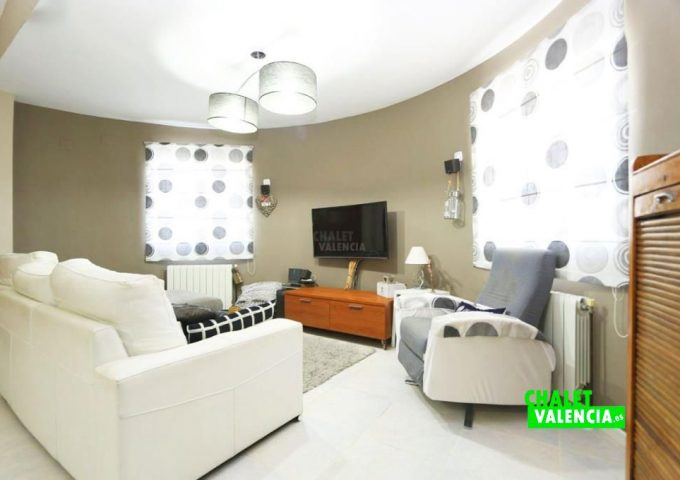 48109-salon-tv-chalet-valencia