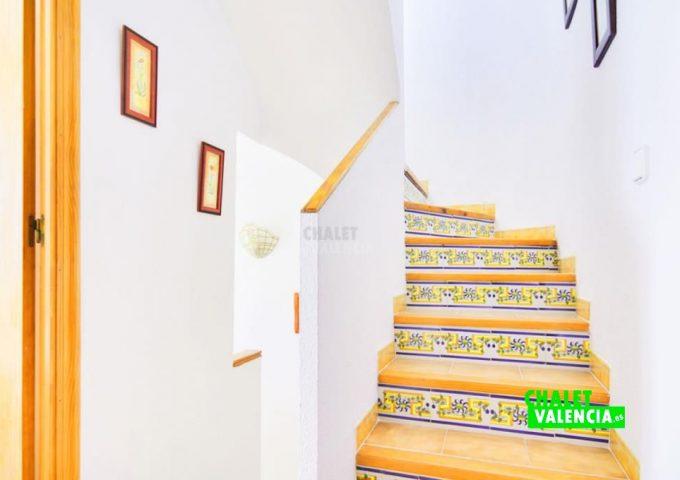 48197-015-chalet-valencia