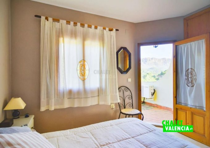 48197-018-chalet-valencia