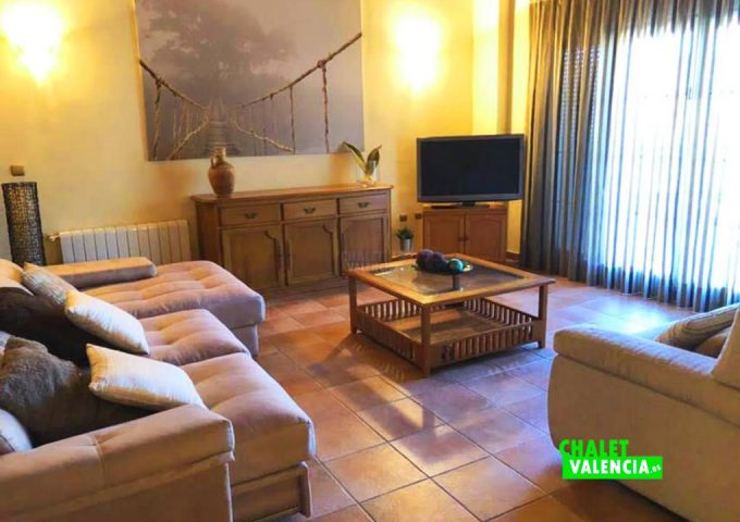 48239-salon-tv-chalet-valencia