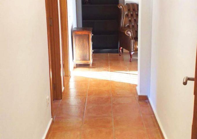 48517-pasillo-calicanto-chalet-valencia