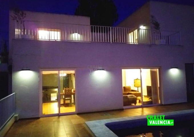 48517-piscina-noche-calicanto-chalet-valencia