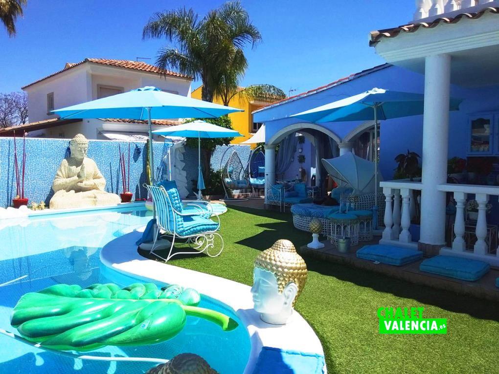 Chalet con piscina SPA en Maravisa