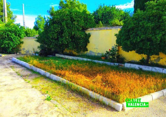 49054-jardin-1-chalet-valencia