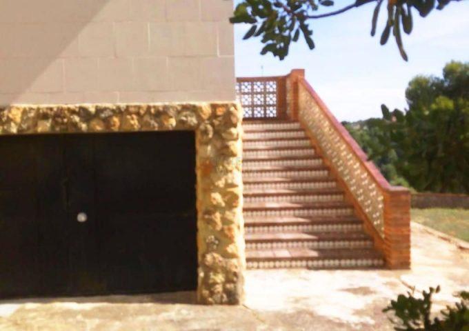 49123-entrada-garaje-montserrat-chalet-valencia