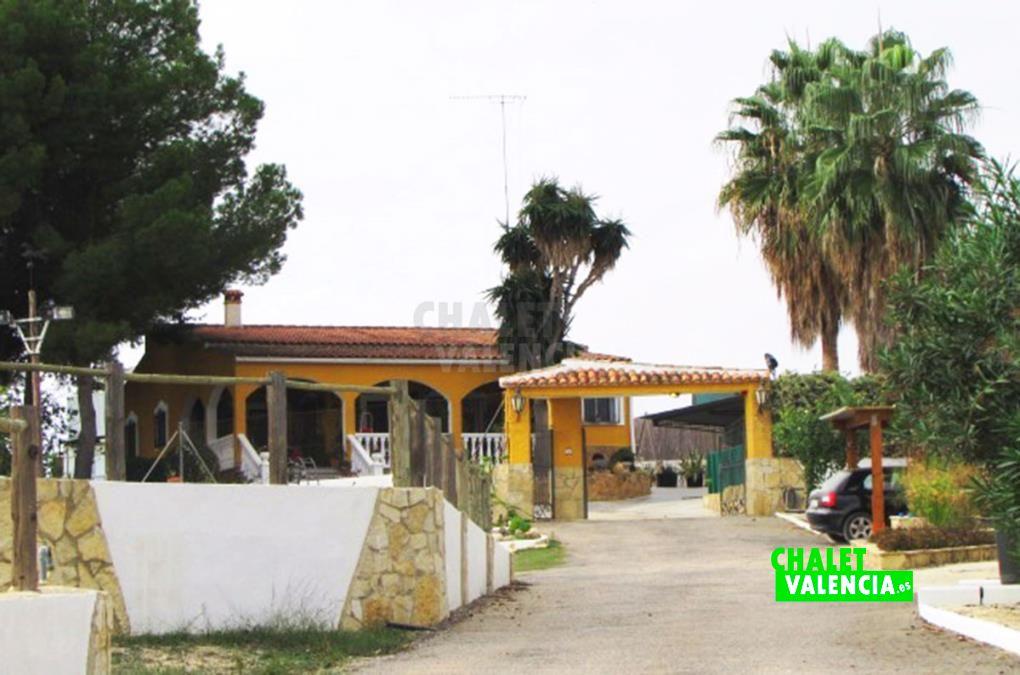 Chalet nucleo zoologico Ribarroja Valencia