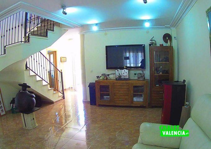 50074-salon-escaleras-chalet-valencia