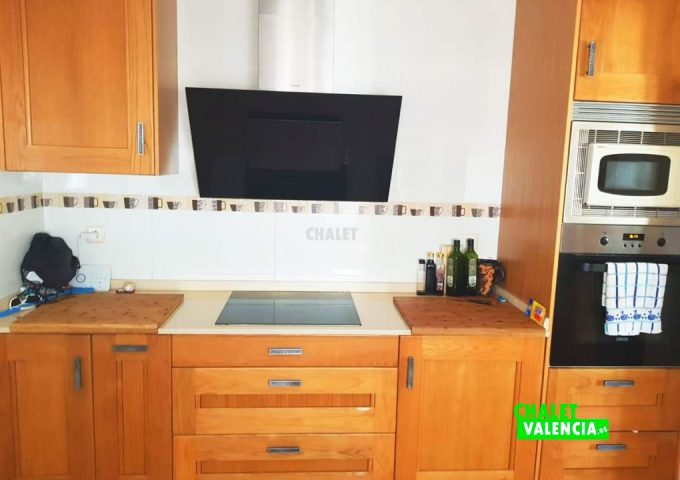 50147-cocina-2-rodana-chalet-valencia