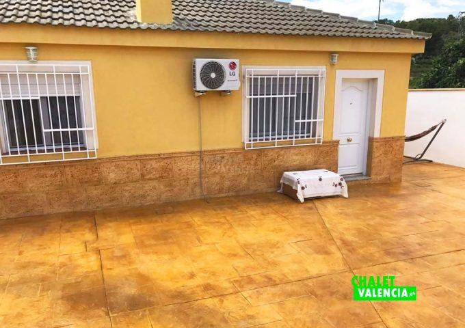 50147-entrada-casa-rodana-chalet-valencia