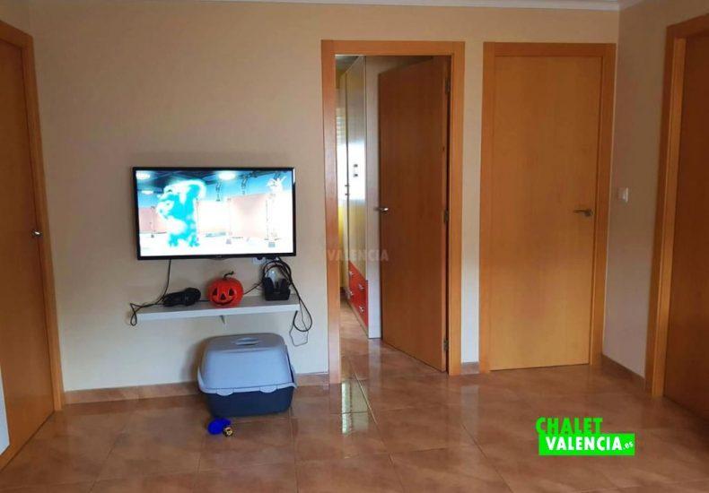50147-sala-rodana-chalet-valencia