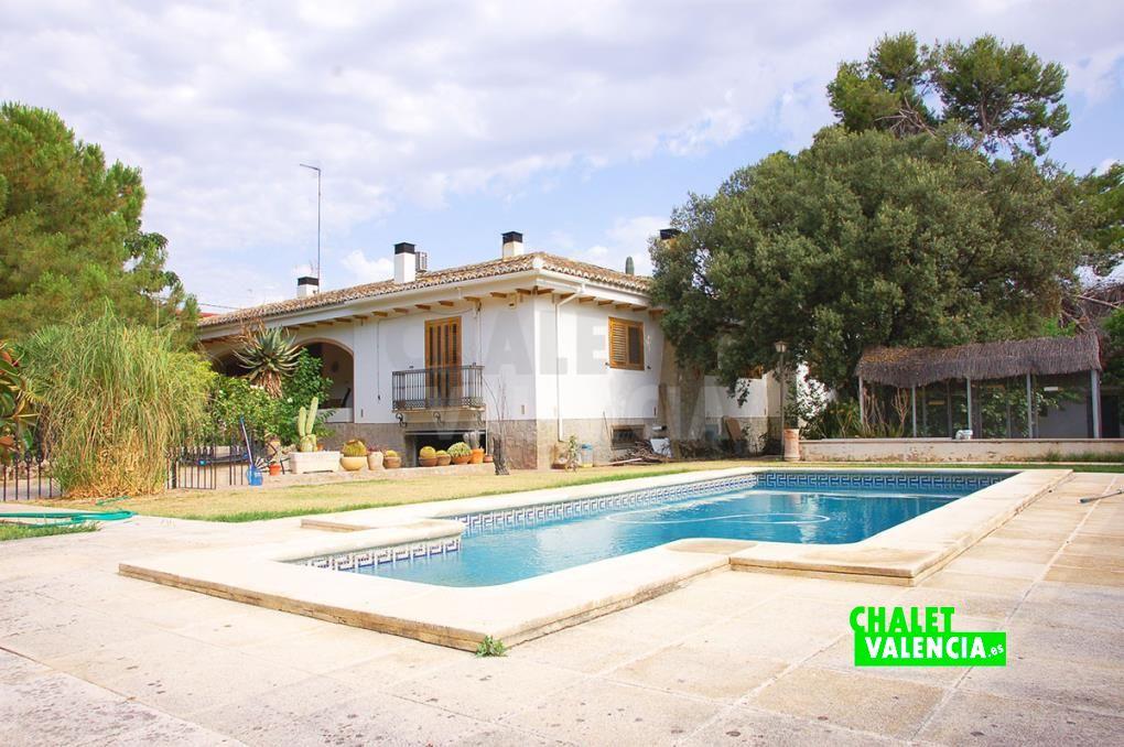 Chalet grande en La Eliana con patio interior