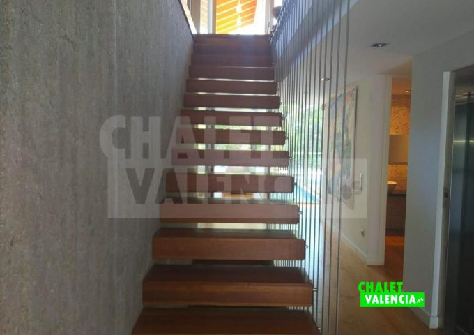 50594-escaleras-modernas-torre-conill-chalet-valencia