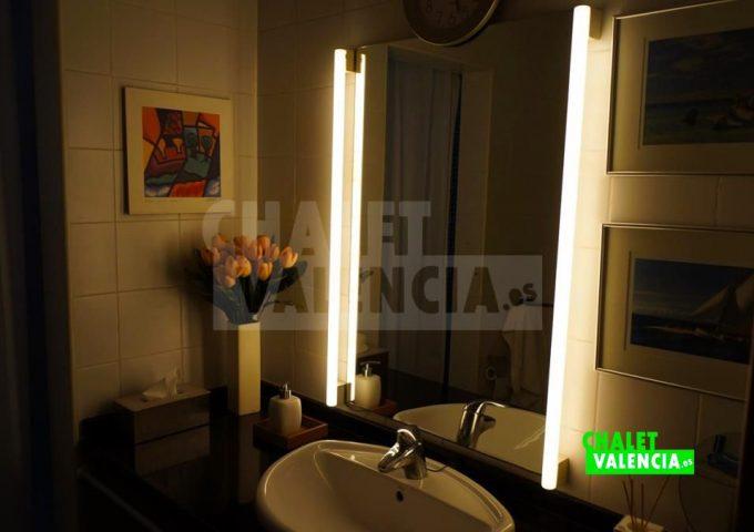 50820-bano-01-chalet-valencia