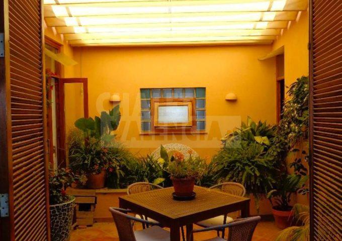 50820-interior-patio-chalet-valencia