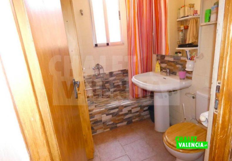 50886-bano-01-montroy-chalet-valencia