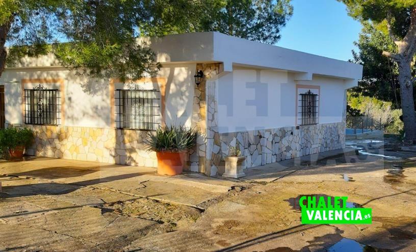 Chalet junto al pueblo de Turis Valencia