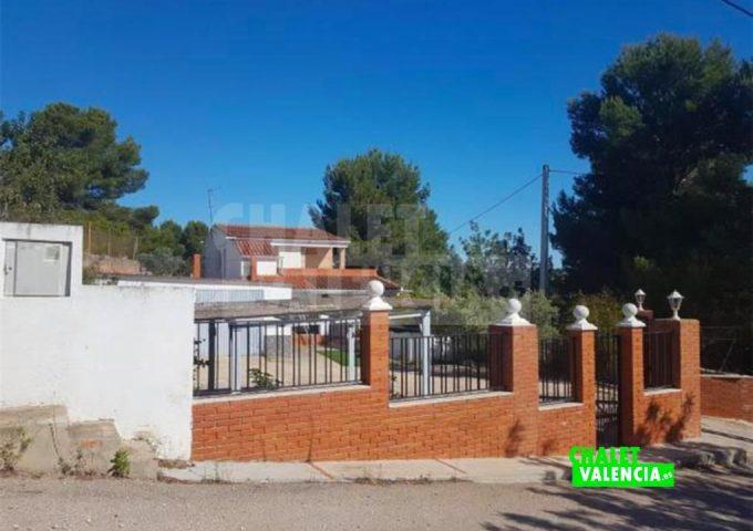 51146-entrada-calle-chalet-valencia