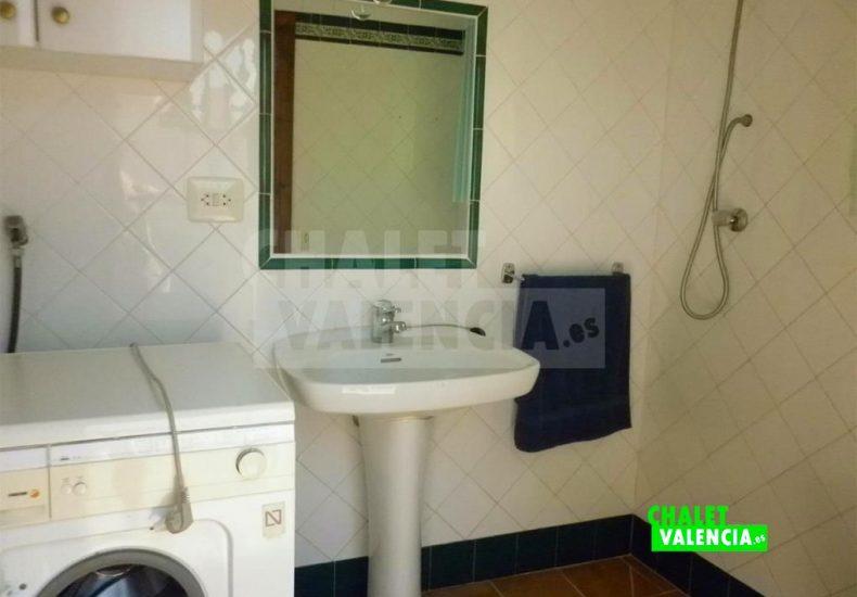 51244-bano-lavadero-chalet-valencia