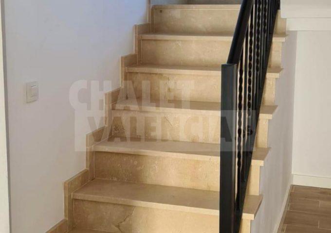 51421-escaleras-safareig-chalet-valencia