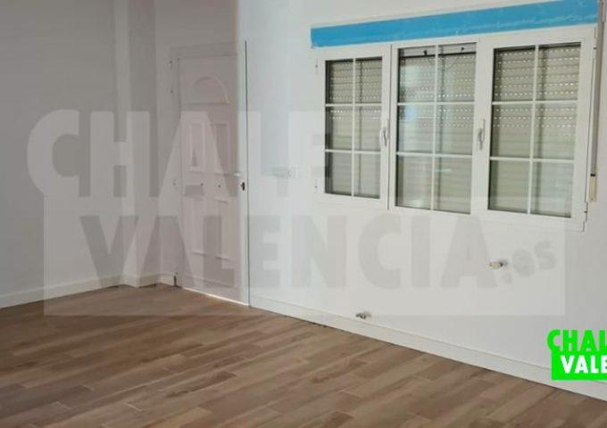 51421-salon-entrada-safareig-chalet-valencia