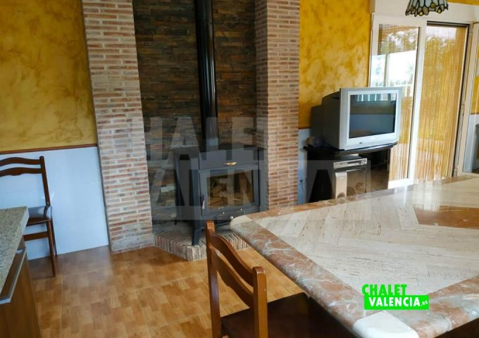 51559-salon-chimenea-tv-lliria-chalet-valencia