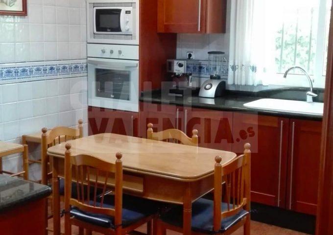 51701-cocina-grande-marines-chalet-valencia