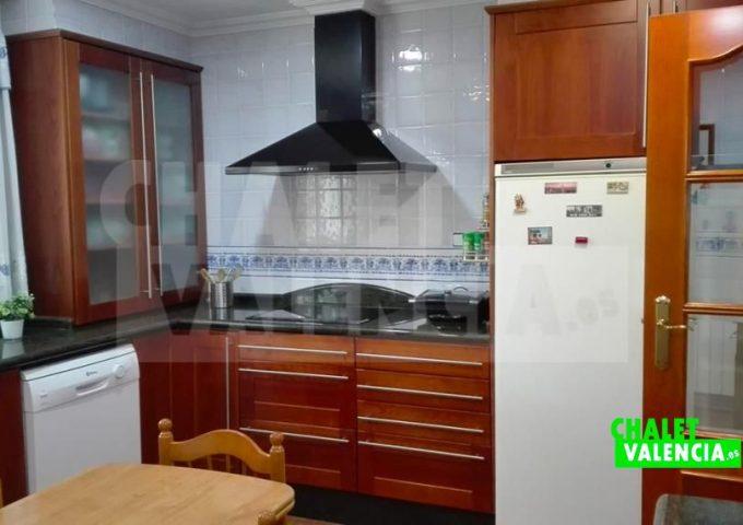 51701-cocina-mesa-marines-chalet-valencia