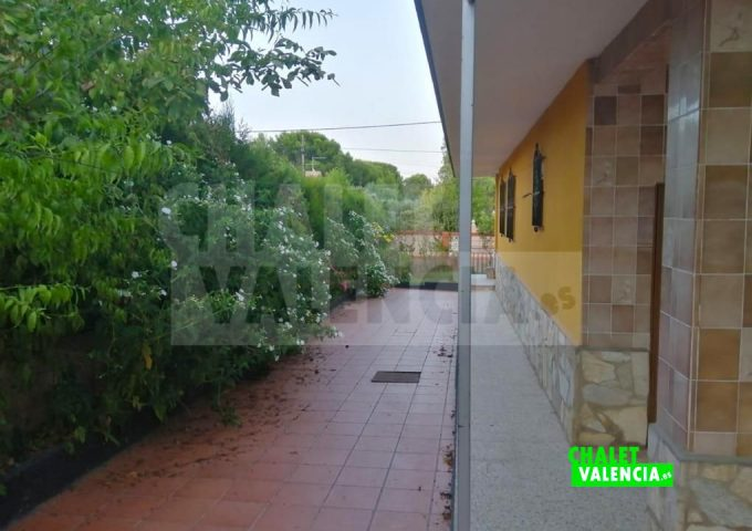51900-jardin-02b-chiva-chalet-valencia
