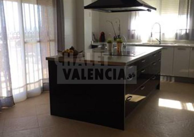 52069-cocina-isla-chalet-valencia