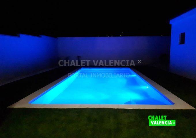 52373-piscina_noche-chalet-valencia