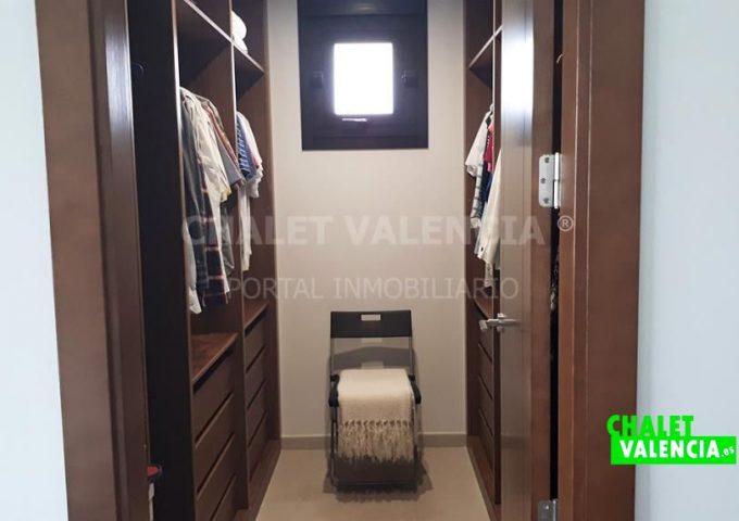 52373-vestidor_1-chalet-valencia