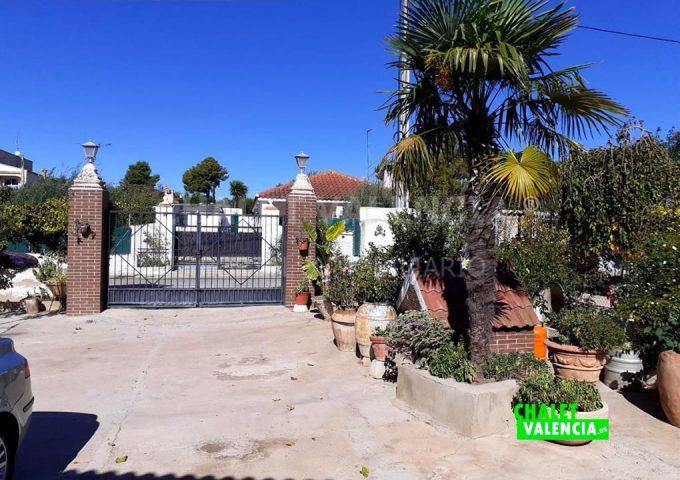 52554-entrada-calle-los-felipes-chalet-valencia