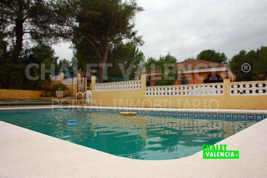 Chalet con piscina en Godelleta urbano