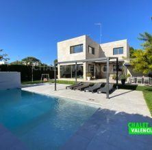 Modern luxury villa in Rocafort Valencia