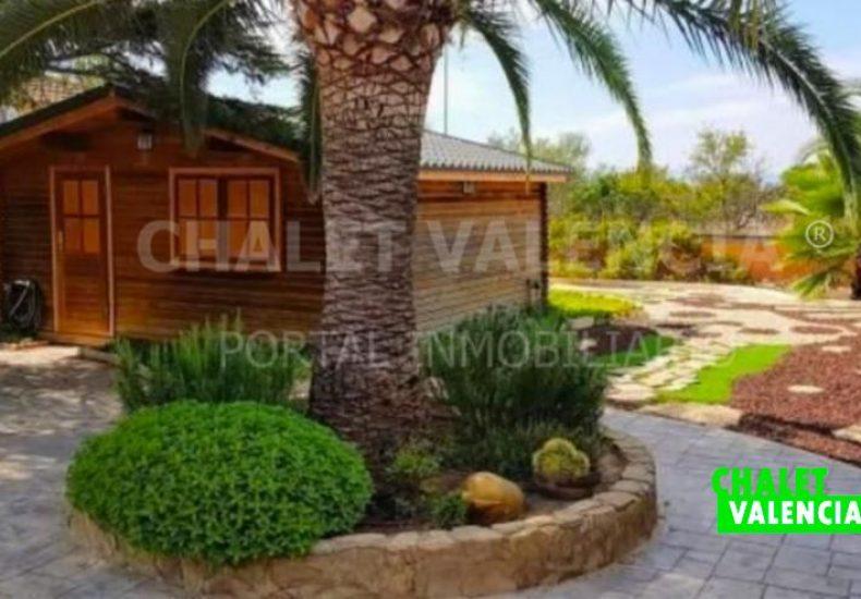 53870-jardín-con-casa-de-madera-chalet-valencia