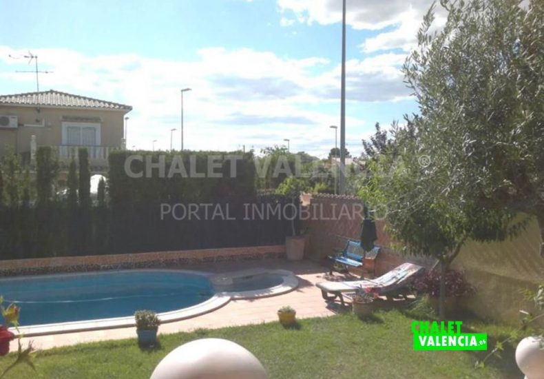02561-jardin-piscina-03-chalet-maravisa-valencia-pobla