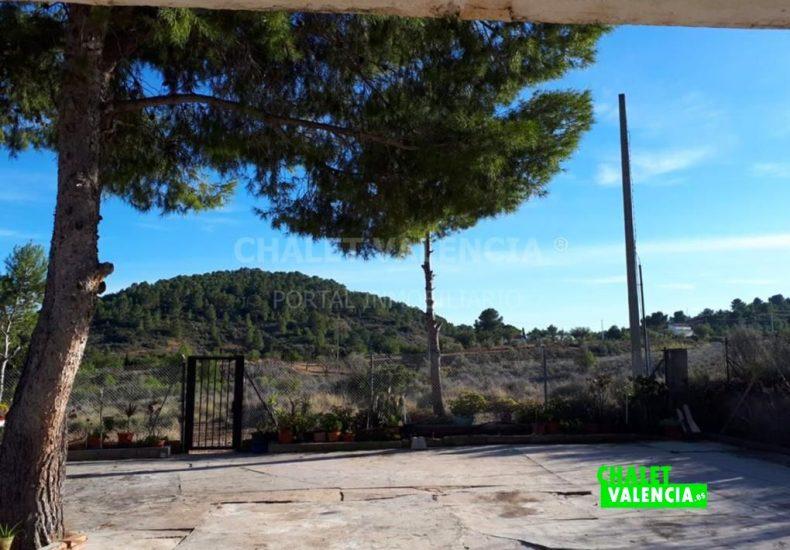 54491-exterior-entrada-calle-02-chalet-valencia
